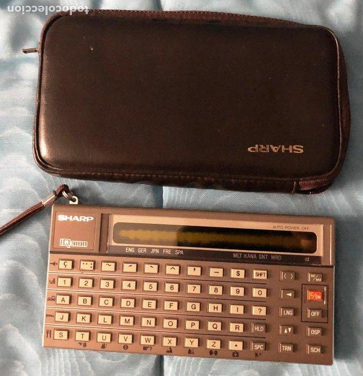 ANTIGUA CALCULADORA SHARQ IQ3100, CON SU FUNDA (Antigüedades - Técnicas - Aparatos de Cálculo - Calculadoras Antiguas)