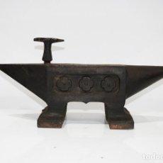 Antiquités: YUNQUE ANTIGUO DE HIERRO FUNDIDO. Lote 279508298