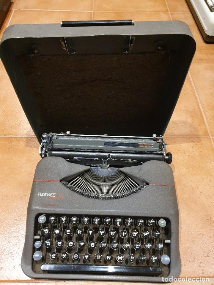 MÁQUINA DE ESCRIBIR HERMES BABY FUNCIONANDO CON CAJA (Antigüedades - Técnicas - Máquinas de Escribir Antiguas - Hermes)