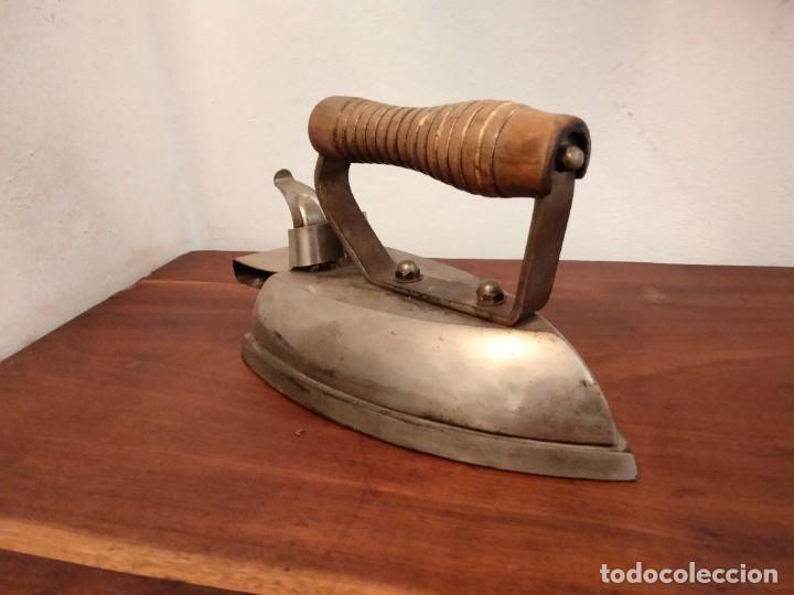 Antigüedades: Plancha Ilman - La Industrial electrica- años 60 Hierro colado Vitoria - Foto 2 - 201671777