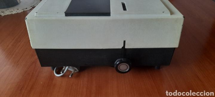 Antigüedades: Proyector Diapositivas Braun Paximat Pico 50 . Ver fotos. - Foto 20 - 279584738