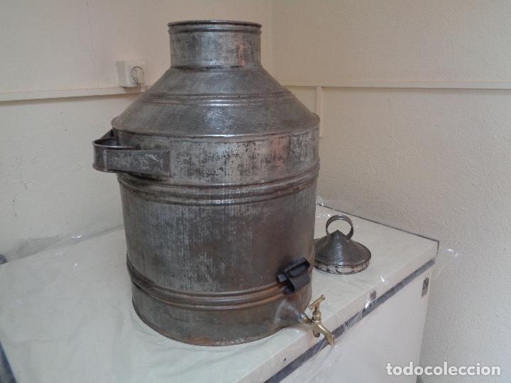 Antigüedades: gran aceitera de zinc principios siglo XX - Foto 4 - 280185418