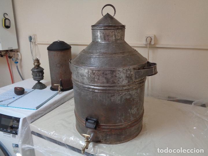 Antigüedades: gran aceitera de zinc principios siglo XX - Foto 5 - 280185418