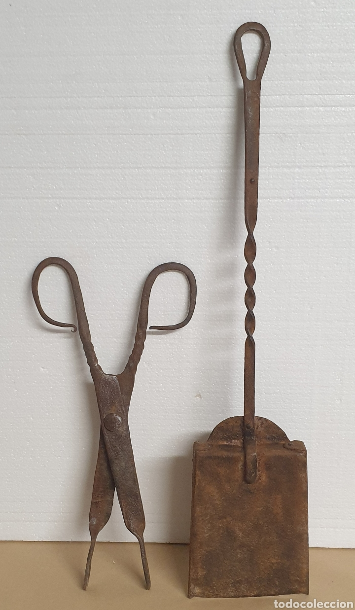 Antigüedades: Pinzas tenazas y pala de hierro forjado para brasero o fuego bajo - Foto 2 - 280377633