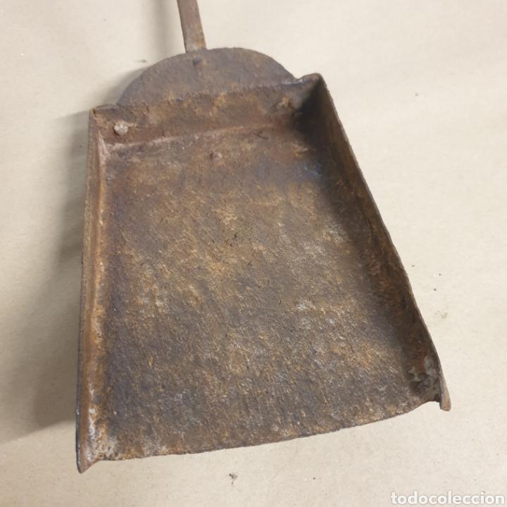 Antigüedades: Pinzas tenazas y pala de hierro forjado para brasero o fuego bajo - Foto 3 - 280377633