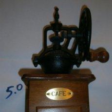 Antigüedades: MOLINILLO DE CAFE DISEÑO VINTAGE NUEVO EN BUEN ESTADO. Lote 282224548