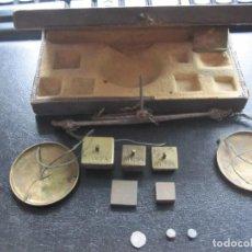 Antigüedades: ANTIGUA BALANZA DE PESAR MONEDAS. Lote 283062823