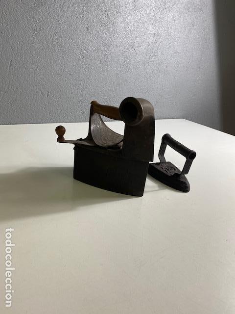 Antigüedades: Antigua Plancha de Carbón y Plancha de Hierro - Foto 4 - 283063168