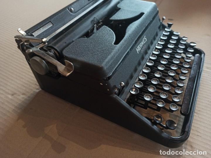 Antigüedades: Máquina de escribir HERMES 2000 suiza - Foto 2 - 283643328