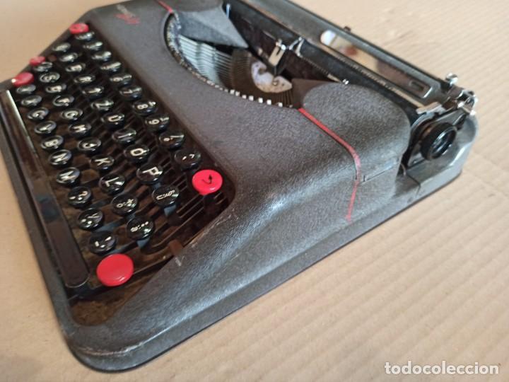 Antigüedades: Máquina de escribir HERMES Baby antigua - Foto 3 - 283643943