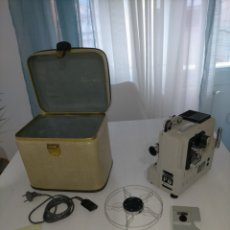 Antigüedades: PROYECTOR EUMIG P8 CON CERTIFICADO, CAJA, CABLES ETC.... Lote 283696683