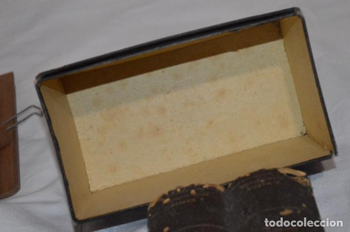 Antigüedades: Antiguo/vintage / Visor Estereoscópico + 2 VISTAS / En caja - ¡Funcionando, estado IMPECABLE, MIRA! - Foto 21 - 284365088