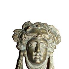 Antigüedades: ALDABA ANILLA LLAMADOR DE PUERTA DE BRONCE MEDUSA. Lote 285039078