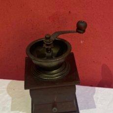 Antigüedades: ANTIGUO MOLINO DE CAFÉ MADERA . VER FOTOS. Lote 286003508