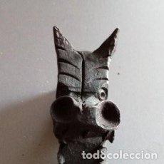 Antigüedades: ESCULTURA EN HIERRO FORJADO CABEZA DRAGÓN MEDIDAS: 8.5 X 3.7CM. Lote 286470083