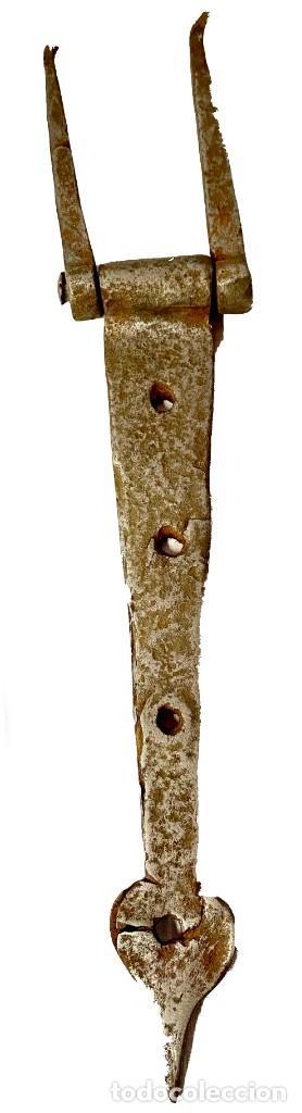 Antigüedades: Antigua bisagra gótica de hierro forjado. S. XV. 43x8 cm. - Foto 2 - 286669153