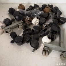Antigüedades: GRAN LOTE DE RUEDAS PARA MUEBLES, MÁS DE 45 PIEZAS, VARIOS TAMAÑOS Y DISEÑOS. Lote 286671268