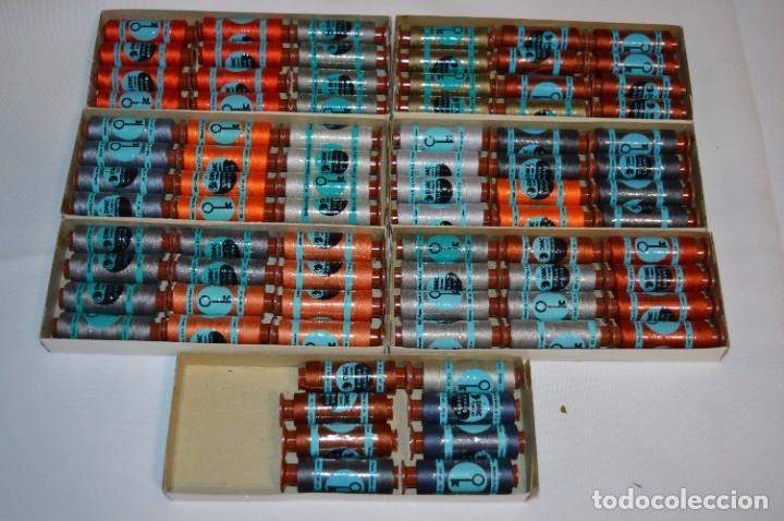 Antigüedades: 80 BOBINAS de HILO antiguas, sin uso / Muchos COLORES - DMC / DOLLFUS MIEG & CIE Paris -- Lote 01 - Foto 3 - 286870878