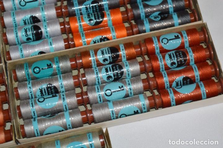 Antigüedades: 80 BOBINAS de HILO antiguas, sin uso / Muchos COLORES - DMC / DOLLFUS MIEG & CIE Paris -- Lote 01 - Foto 7 - 286870878