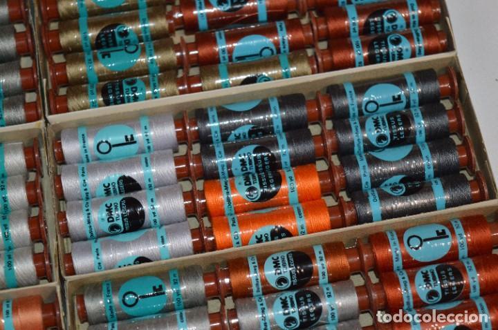 Antigüedades: 80 BOBINAS de HILO antiguas, sin uso / Muchos COLORES - DMC / DOLLFUS MIEG & CIE Paris -- Lote 01 - Foto 8 - 286870878