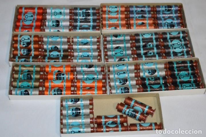Antigüedades: 81 BOBINAS de HILO antiguas, sin uso / Muchos COLORES - DMC / DOLLFUS MIEG & CIE Paris -- Lote 02 - Foto 3 - 286877283