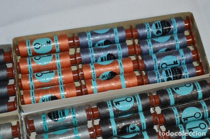 Antigüedades: 81 BOBINAS de HILO antiguas, sin uso / Muchos COLORES - DMC / DOLLFUS MIEG & CIE Paris -- Lote 02 - Foto 7 - 286877283