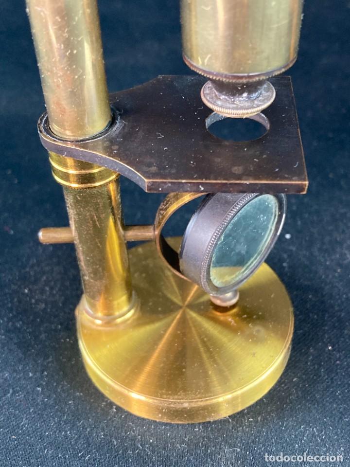 Antigüedades: Microscopio con caja. Siglo XX - Foto 3 - 286957413