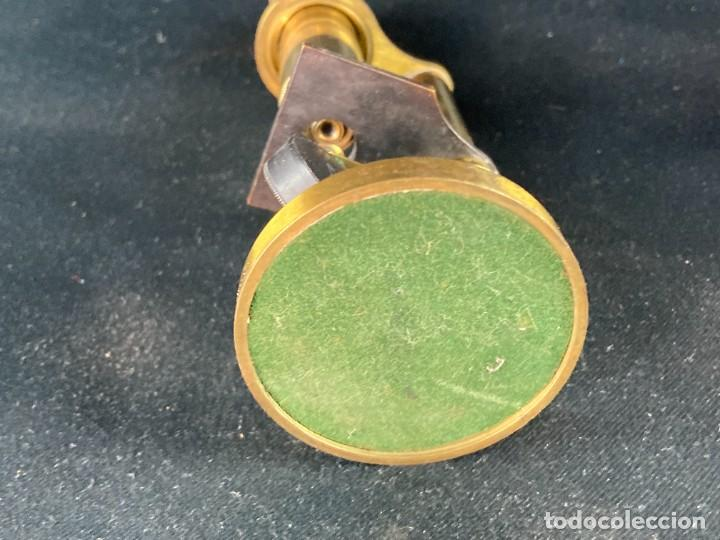 Antigüedades: Microscopio con caja. Siglo XX - Foto 8 - 286957413