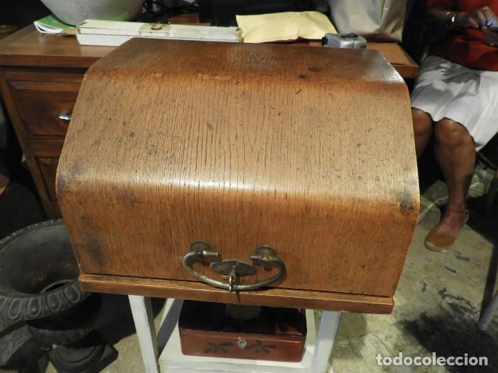 Antigüedades: ANTIGUA MAQUINA DE ESCRIBIR AEG MIGNON CON SU CAJA DE MADERA - Foto 7 - 287008213