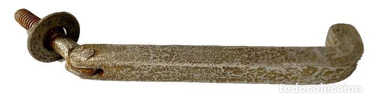 Antigüedades: Llamador, aldaba gótica de hierro forjado. Siglo XV. Restaurada. Martillo, fálico. 24x7x4 - Foto 2 - 287254258