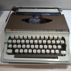 Antigüedades: MAQUINA DE ESCRIBIR ROYAL 202 FABRICADA EN JAPON AÑO 1977. Lote 287428978