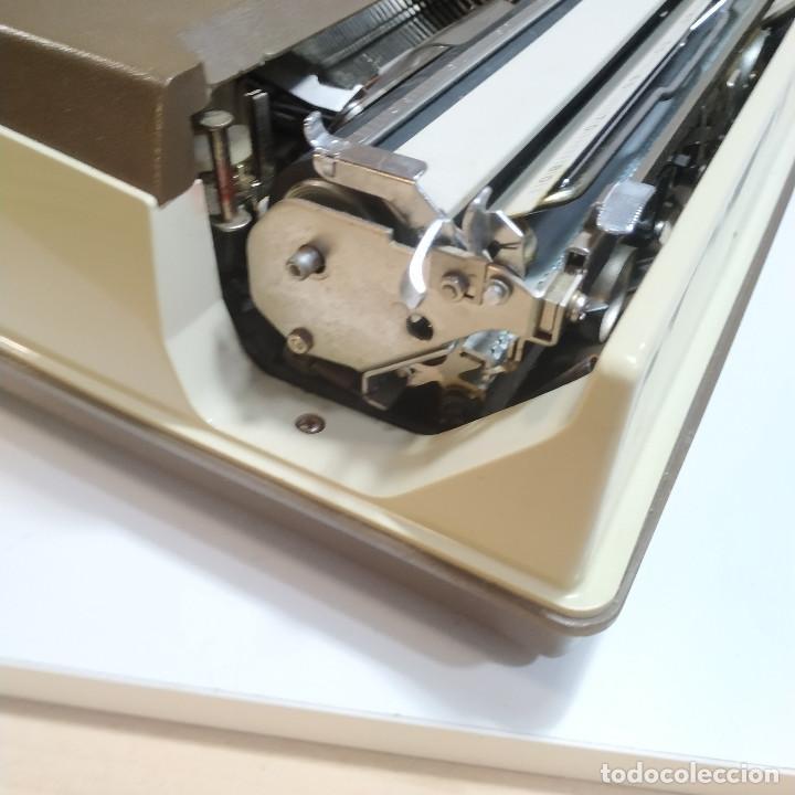 Antigüedades: MAQUINA DE ESCRIBIR ROYAL 202 Fabricada en Japon año 1977 - Foto 11 - 287428978