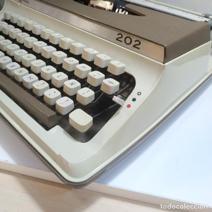 Antigüedades: MAQUINA DE ESCRIBIR ROYAL 202 Fabricada en Japon año 1977 - Foto 13 - 287428978