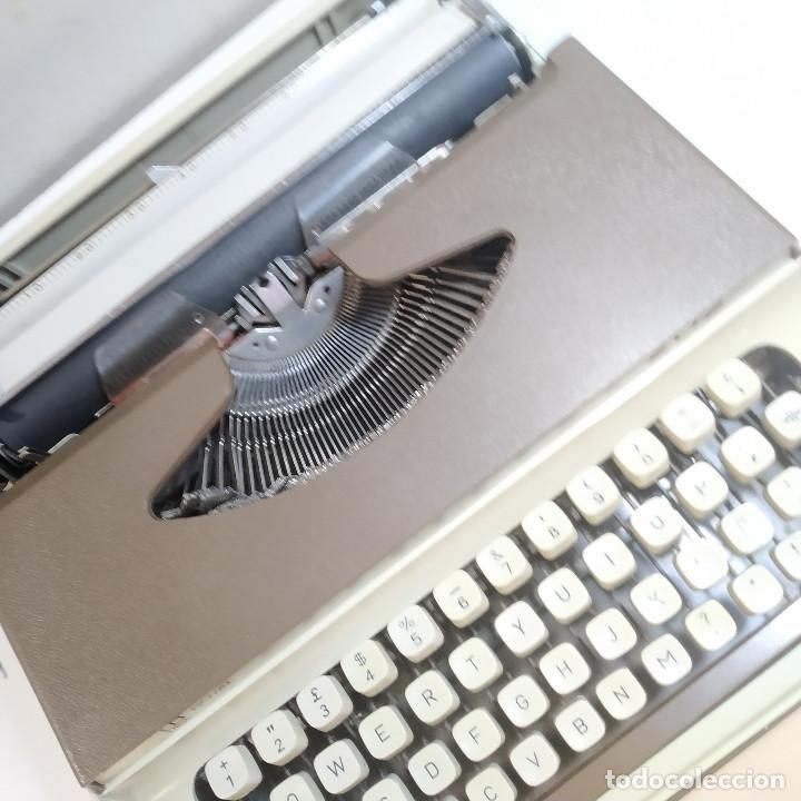 Antigüedades: MAQUINA DE ESCRIBIR ROYAL 202 Fabricada en Japon año 1977 - Foto 15 - 287428978
