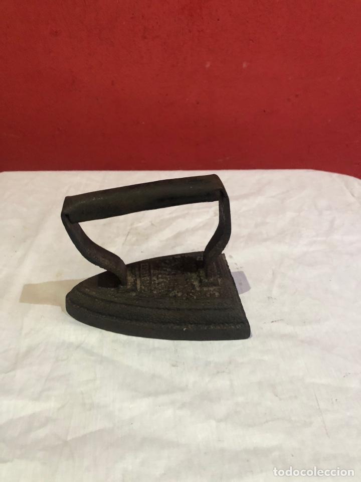 Antigüedades: Lote de 4 planchas de hierro antiguas - Foto 2 - 287454588