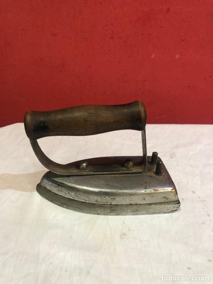 Antigüedades: Lote de 4 planchas de hierro antiguas - Foto 14 - 287454588