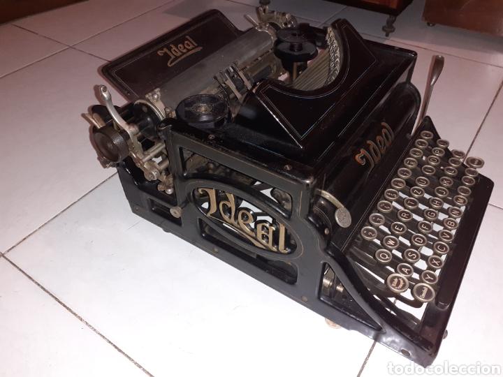 ANTIGUA MAQUINA DE ESCRIBIR IDEAL DE 1909 . ESTA EN BUENISIMO ESTADO,ESCASA Y COTIZADA (Antigüedades - Técnicas - Máquinas de Escribir Antiguas - Otras)