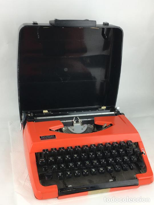 MAQUINA DE ESCRIBIR BROTHER 210 COLOR NARANJA (Antigüedades - Técnicas - Máquinas de Escribir Antiguas - Otras)