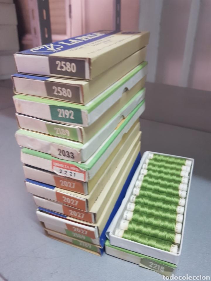 Antigüedades: Lote 13 cajas de La Paleta Torzal de seda ,tubos de 10m - Foto 2 - 287653233