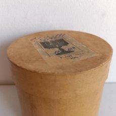 Antigüedades: CAJA ANTIGUA DE ZOOTROPO VACIA CON 9 PELICULAS. Lote 287687488