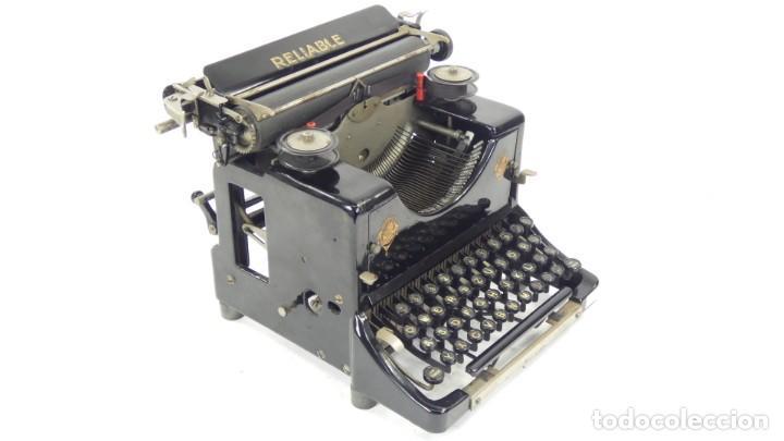 MAQUINA DE ESCRIBIR RELIABLE AÑO 1921 TYPEWRITER SCHREIBMASCHINE A ECRIRE (Antigüedades - Técnicas - Máquinas de Escribir Antiguas - Otras)