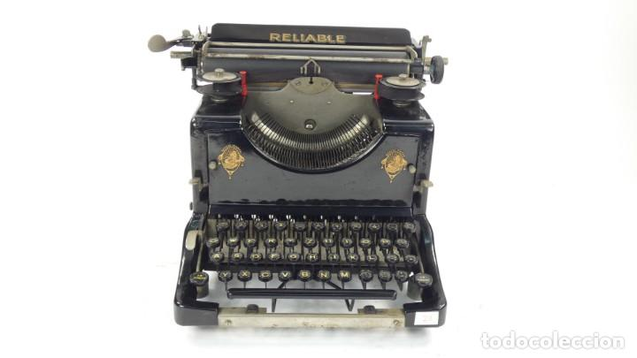 Antigüedades: Maquina de escribir RELIABLE AÑO 1921 Typewriter Schreibmaschine A Ecrire - Foto 2 - 287746823