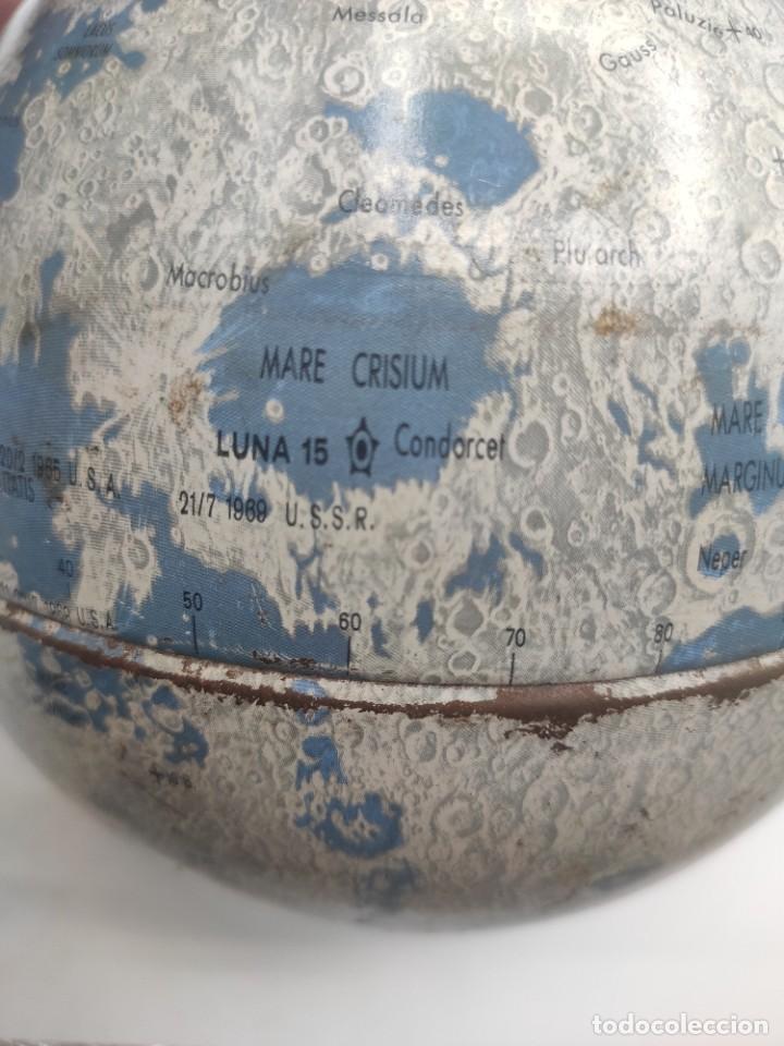 Antigüedades: Esfera lunar danesa metálica, con lugares y fechas de alunizajes de 1966. Peana en madera. - Foto 8 - 287894213