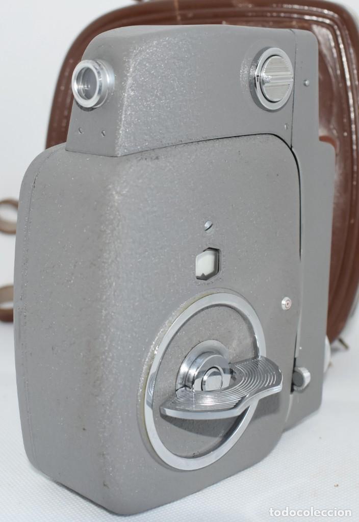 Antigüedades: EXTRAORDINARIA CAMARA, CINE A CUERDA DE 8 mm.ALEMANIA 1958..AGFA MOVEX AUTOMATIC +FUNDA. FUNCIONA - Foto 16 - 287902663