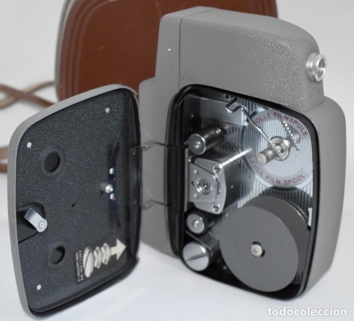 Antigüedades: EXTRAORDINARIA CAMARA, CINE A CUERDA DE 8 mm.ALEMANIA 1958..AGFA MOVEX AUTOMATIC +FUNDA. FUNCIONA - Foto 19 - 287902663