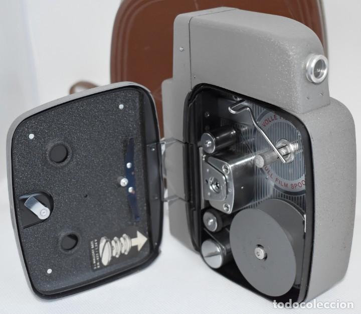 Antigüedades: EXTRAORDINARIA CAMARA, CINE A CUERDA DE 8 mm.ALEMANIA 1958..AGFA MOVEX AUTOMATIC +FUNDA. FUNCIONA - Foto 20 - 287902663
