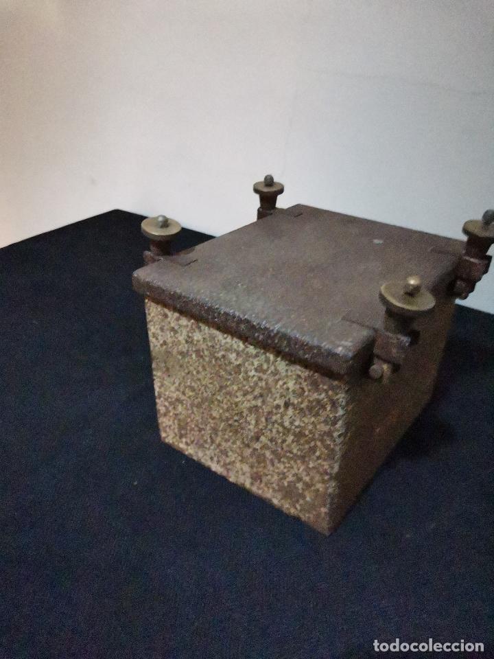 Antigüedades: ANTIGUA CAJA DE REGISTRO PARA POSTE - Foto 3 - 287961158