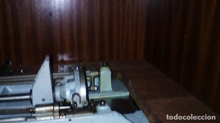 Antigüedades: ANTIGUA MAQUINA DE COSER ALFA CON ACCESORIOS - Foto 9 - 288005108