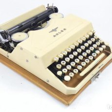 Antigüedades: MAQUINA DE ESCRIBIR ADLER FAVORIT COLOR CREMA TYPEWRITER SCHREIBMASCHINE ECRIRE. Lote 288008808