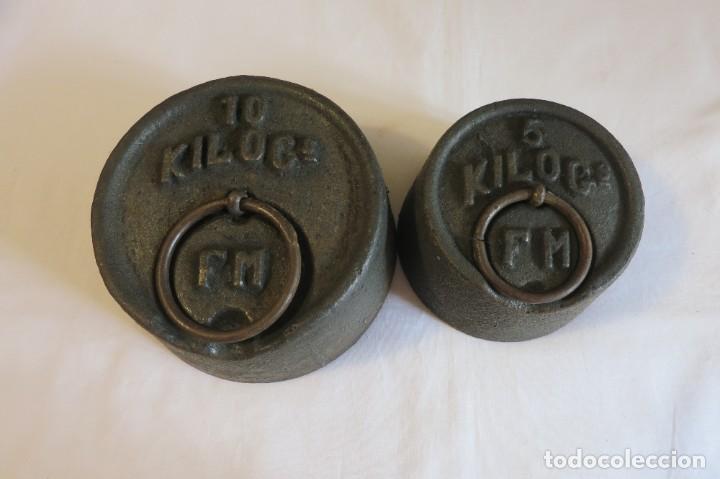 PESAS DE 10 Y 5 KILOS F M SELLADAS Y CONTRASTADAS (Antigüedades - Técnicas - Medidas de Peso - Ponderales Antiguos)